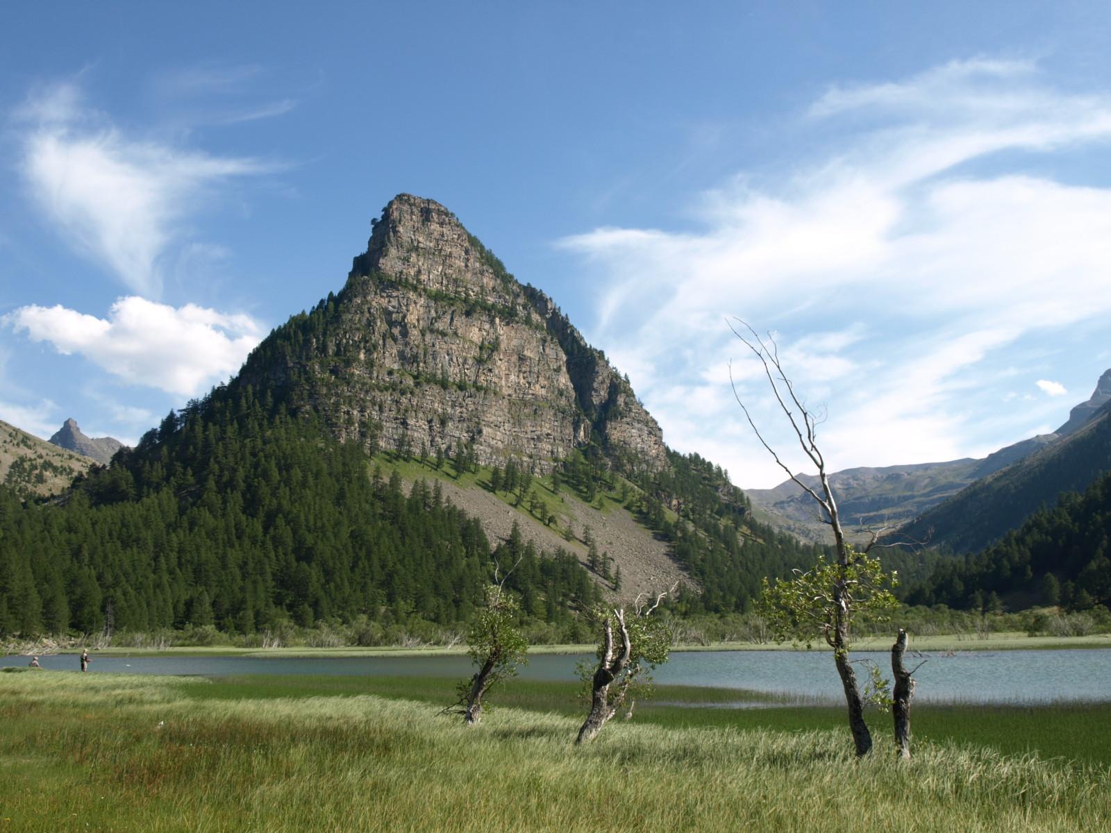 Lac et Tour des Sagnes